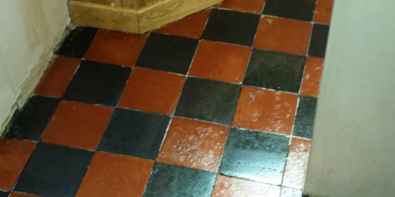 Deeping Cleaning Quarry Tiles Floor in Bedford